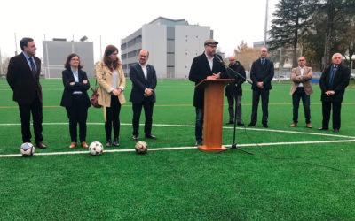Reapertura do campo de fútbol e de rugby da USC despois da remodelación cofinanciada polo Concello