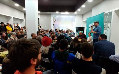 A Asamblea de Compostela Aberta refrenda a continuidade transitoria de Martiño Noriega na Institución