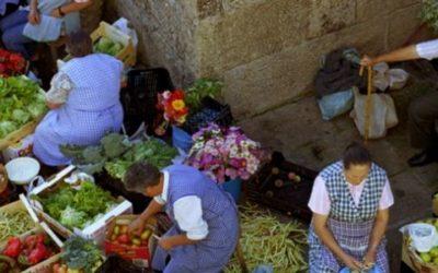 CA asina o Manifesto en Defensa dos Mercados de Alimentos de Proximidade e insta á Xunta a levantar a súa suspensión